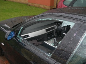 Car-Break-In-004